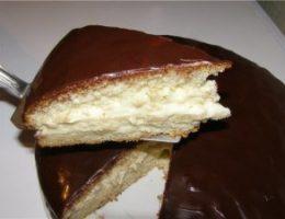 Миниатюра к статье Очень вкусный и быстрый торт «Чародейка»