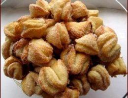 Миниатюра к статье Творожные печенья: «Поцелуйчики» и «Розочки»