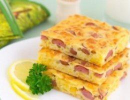 Миниатюра к статье Пирог с сыром и сосисками
