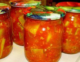 Миниатюра к статье Рецепт лёгкого, сочного и вкусного салата. Салат из кабачков: зимой открываем и наслаждаемся вкусом