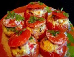 Миниатюра к статье Помидоры, фаршированные мясным салатом