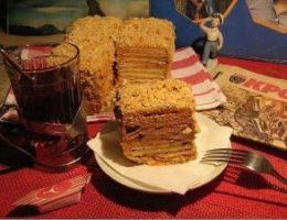 Миниатюра к статье Торт из печенья без выпечки